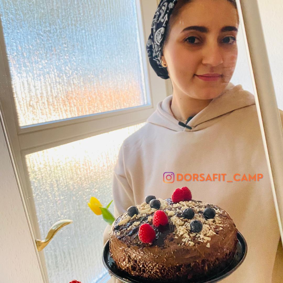 LOW CARB ALMOND CHOCOLATE CAKE